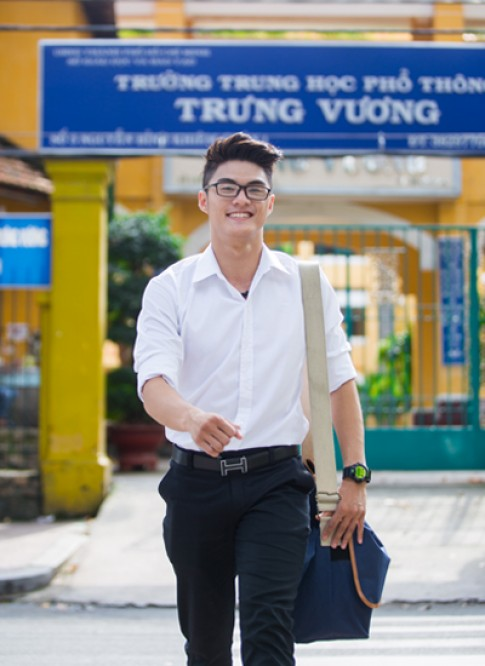 Lâm Vinh Hải trở về thời áo trắng