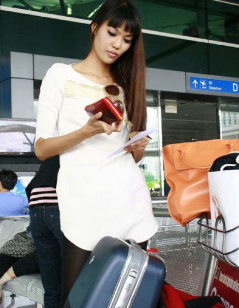 Lan Khuê lên đường thi Siêu mẫu châu Á