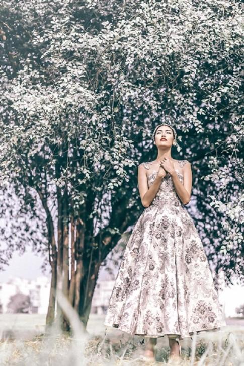 Lan Khuê mặc váy bồng làm công chúa