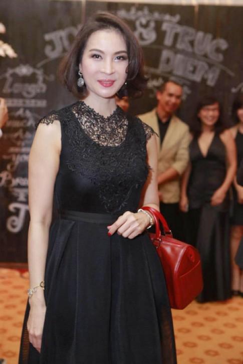 Lê Khánh, Thanh Mai dẫn đầu top sao đẹp với váy nữ tính