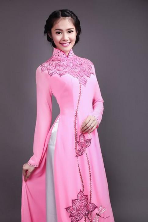 Linh Chi đẹp mong manh với áo dài