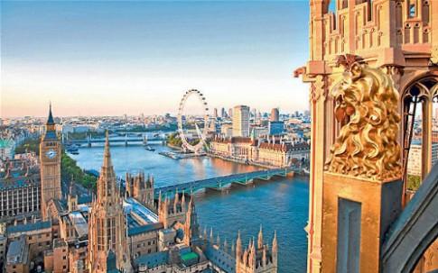 London, Paris tranh nhau là nơi hút khách nhất thế giới