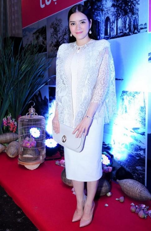 Lý Nhã Kỳ, Hồng Nhung dẫn đầu top sao đẹp tuần qua