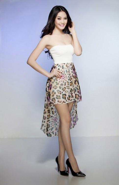 Mặc đầm tiểu thư đẹp như Á hậu Linh Chi