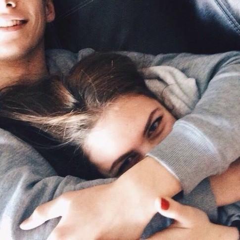 Mấy ai lại thấy hạnh phúc khi yêu đơn phương?