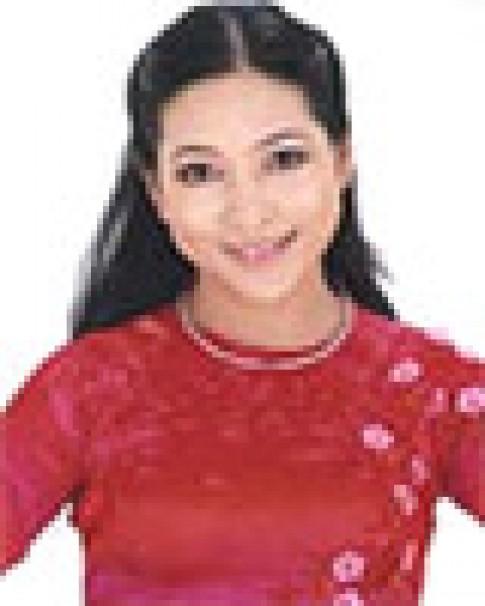 MC Quỳnh Hương và phong cách ăn mặc duyên dáng