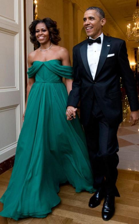 Michelle Obama vào top mặc đẹp với váy trễ vai