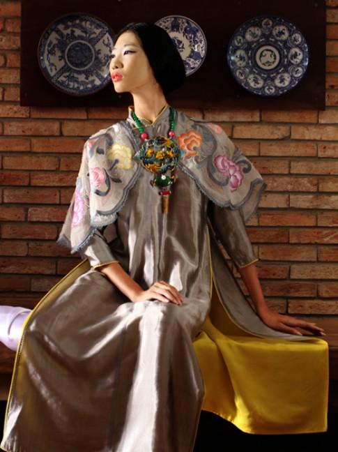 Minh Hạnh đưa nghệ thuật Pháp lam vào Festival Huế