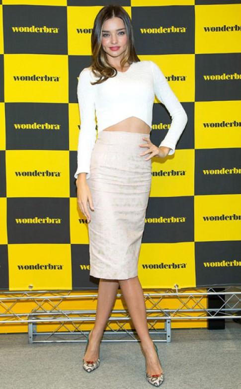 Miranda Kerr, Jessica Alba mặc đẹp nhất tuần