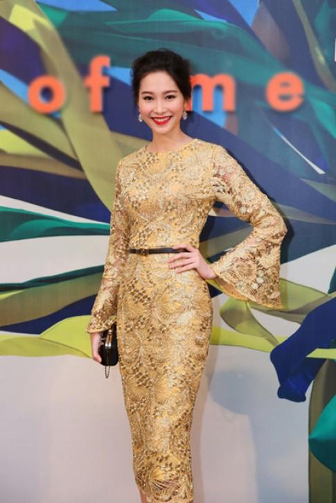 Mỹ nhân Việt yêu thích chất liệu ánh kim vương giả