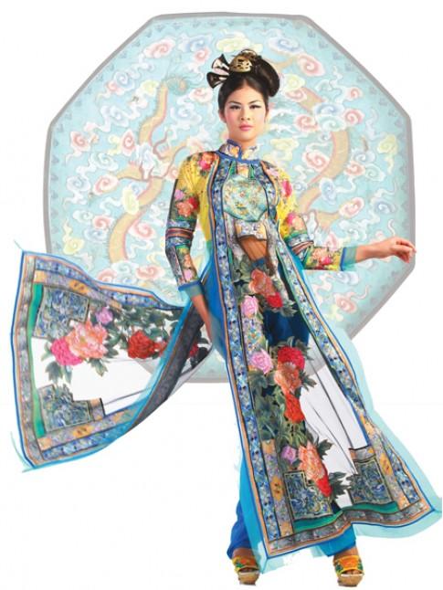 Ngọc Hân biến hóa trong áo dài nhiều màu