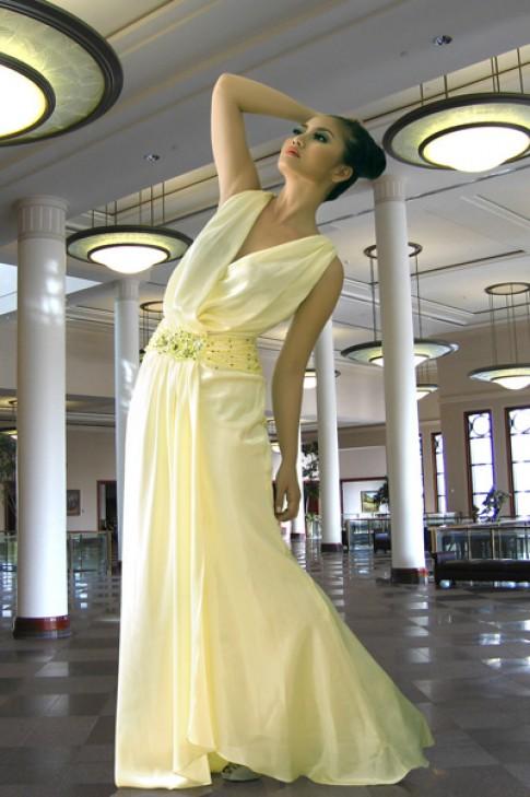 Ngọc Lan quyến rũ cùng đầm dạ hội Nina