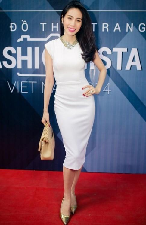 Ngọc Trinh, Thủy Tiên dẫn đầu top sao đẹp với phong cách tối giản