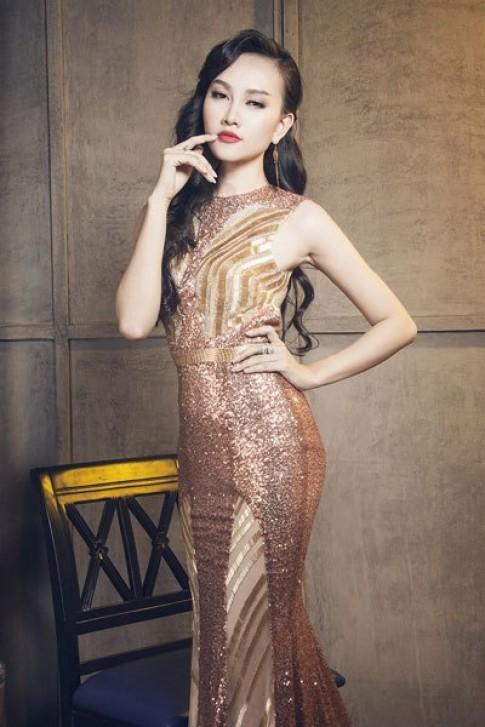 Người đẹp Hoa hậu VN Toàn cầu diện váy đuôi cá lấp lánh