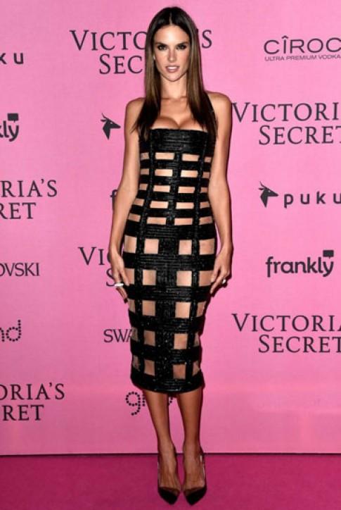 Người đẹp khoe vẻ gợi cảm trong tiệc của Victoria's Secret