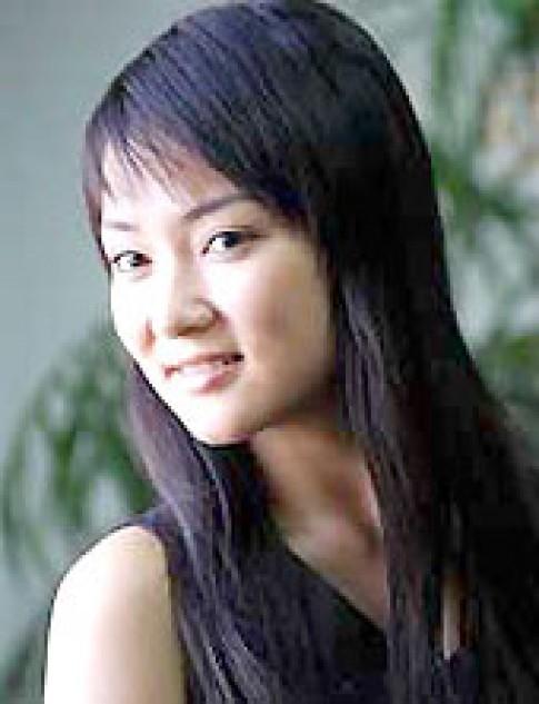 Nguyễn Thị Huyền lên đường du học