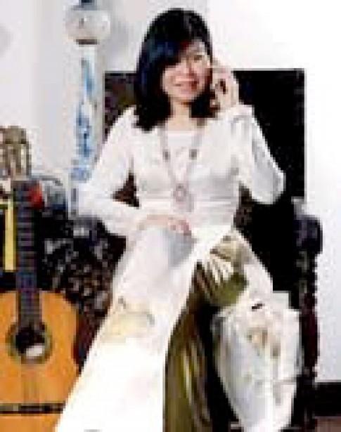 Nhà thiết kế Hélène Liễu và bộ sưu tập áo dài độc đáo