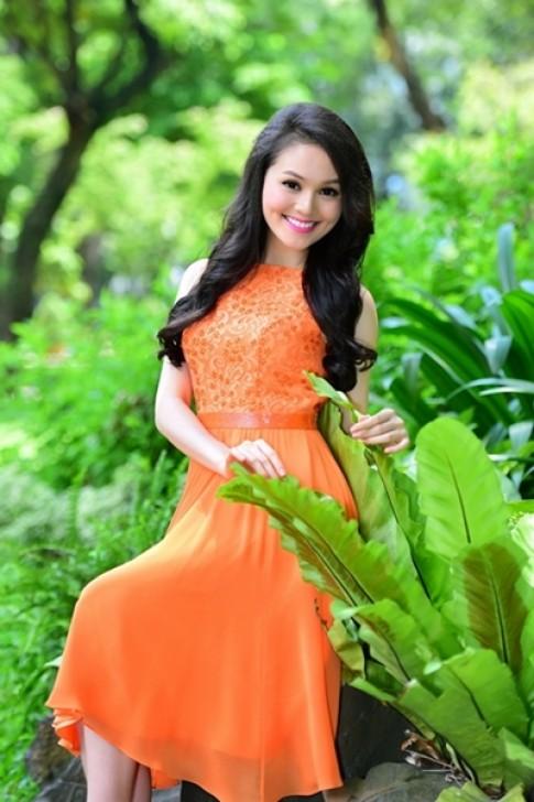 Nhan sắc Miss Ngôi Sao 2014 rạng rỡ trong nắng