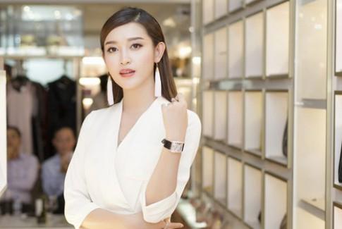 Nhiều Á hậu Việt Nam trang điểm đẹp trong tuần