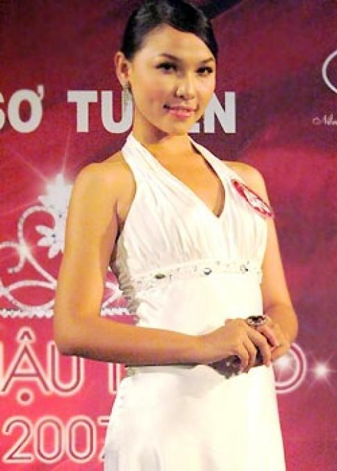 Nhiều thí sinh 'Hoa hậu Tây Đô 2007' là sinh viên