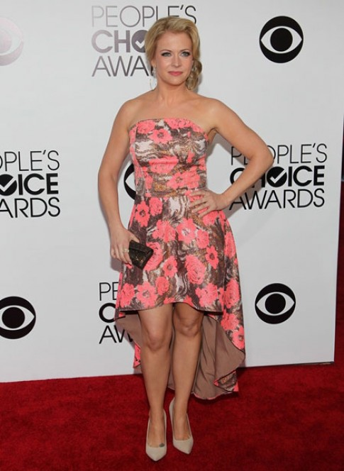 Những bộ cánh đẹp trên thảm đỏ People's Choice Awards (2)