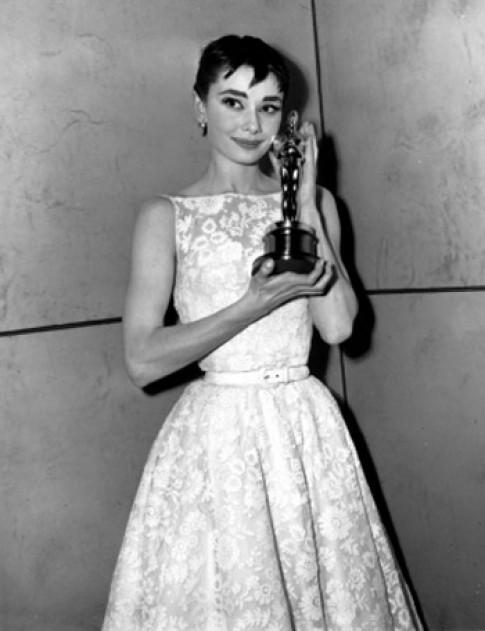 Những bộ đầm đáng nhớ nhất tại Oscar