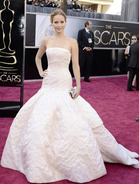 Những bộ váy Christian Dior đẹp nhất trên thảm đỏ 2013