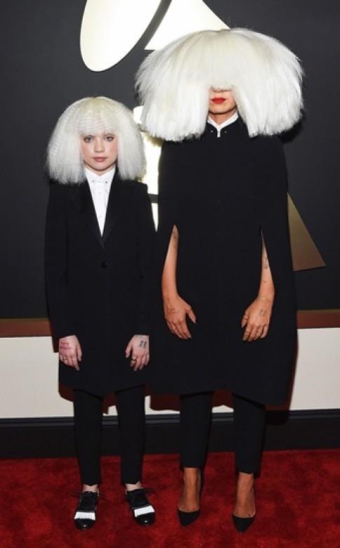Những cách mặc đồ gây sốc ở Grammy 2015