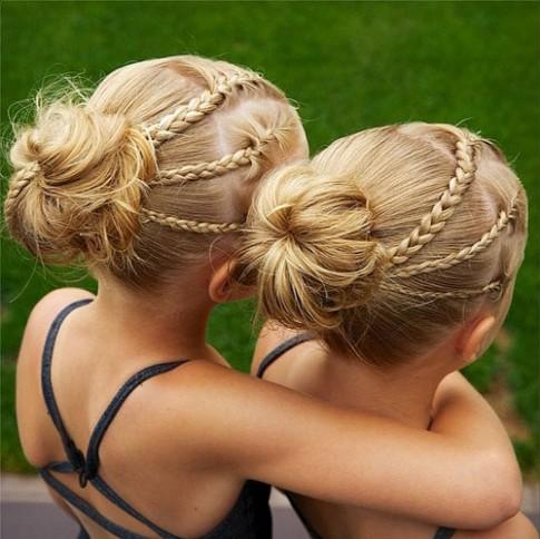 Những kiểu tóc đáng yêu cho các cặp song sinh