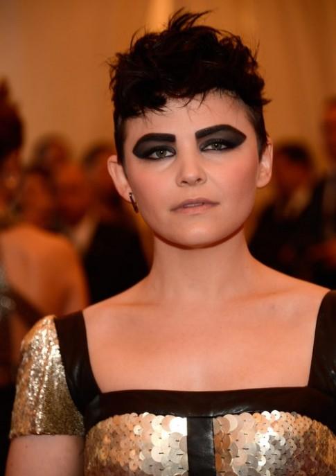 Những kiểu trang điểm mắt dị thường tại Met Gala 2013
