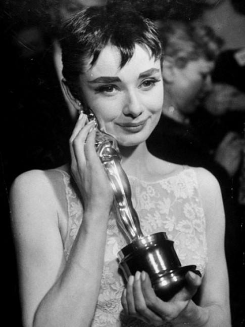 Những ngôi sao trang điểm ấn tượng nhất các mùa Oscar