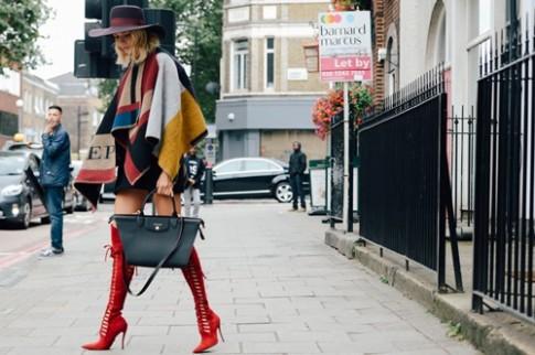 Những phong cách street style hot ở London Fashion Week (tiếp)