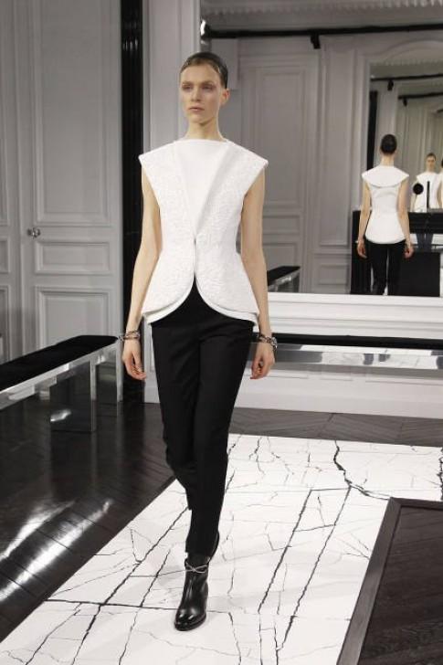 Những thiết kế đen - trắng cho Thu 2013