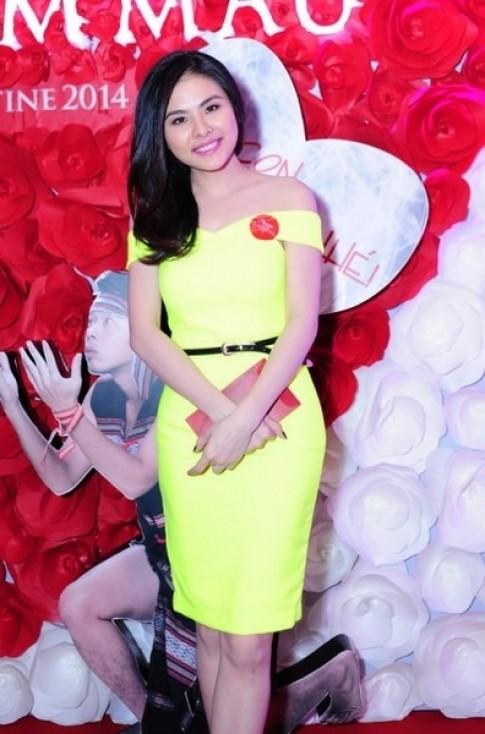 Những trang phục nổi bật nhất showbiz Việt tuần qua