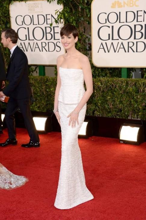 Những trang phục thảm đỏ đẹp nhất của Anne Hathaway