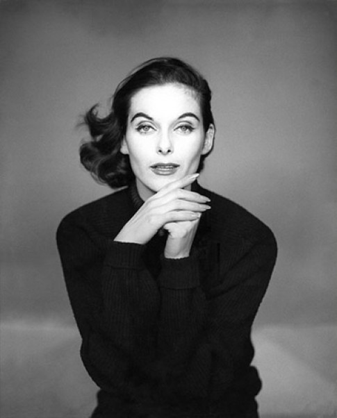 'Nữ hoàng couture của Paris' qua đời ở tuổi 89