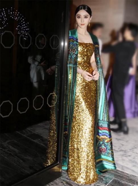Phạm Băng Băng mặc váy áo 'Tử Cấm Thành' dự tiệc thời trang