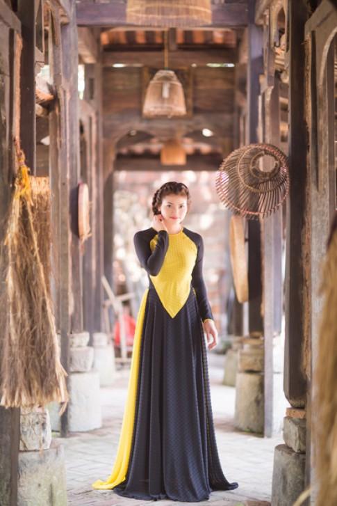 Phạm Phương Thảo dịu dàng với áo dài yếm