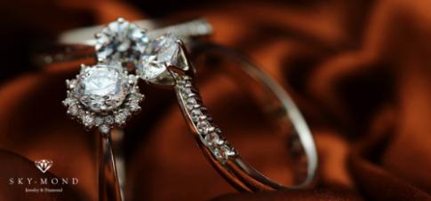 Phân biệt trang sức từ bạch kim và vàng trắng