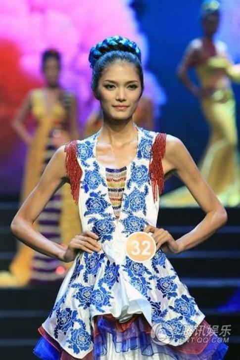Phan Hà Phương vào top 10 Siêu mẫu châu Á