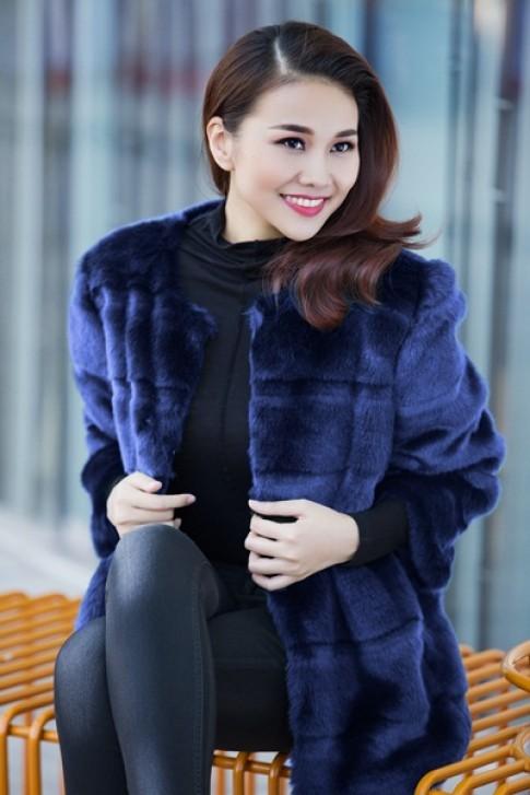 Phong cách thời trang cá tính thuần khiết của sao Việt