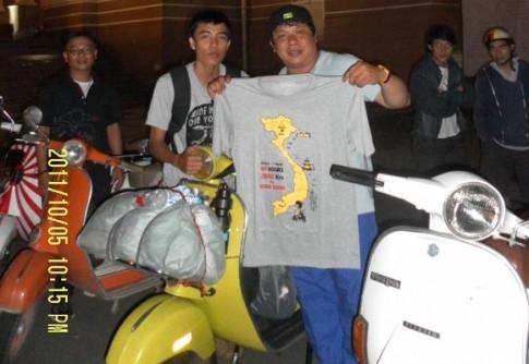 Phượt xuyên Việt với nàng Vespa cổ