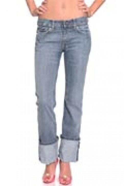 Quần jeans trẻ trung