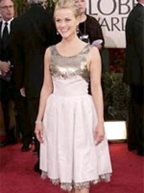 Reese Witherspoon mặc váy cũ đi dự Quả cầu vàng