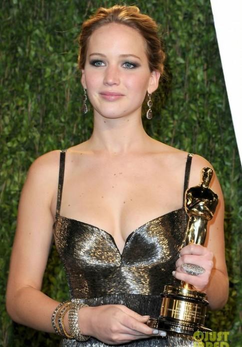 Sao chưng diện dự tiệc hậu Oscar