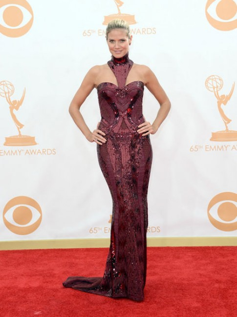 Sao chưng diện trên thảm đỏ Emmy 2013