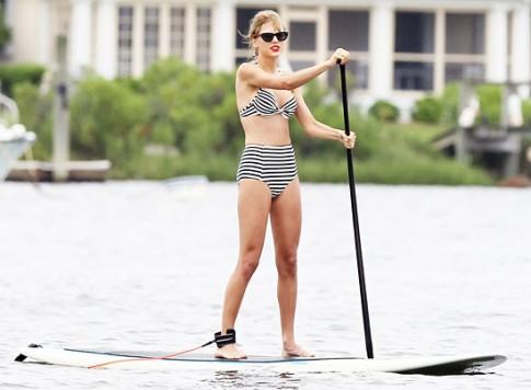 Sao diện bikini cảm hứng retro