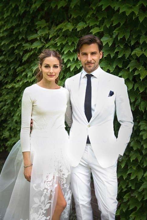 Sao gây ấn tượng mạnh với váy cưới độc đáo