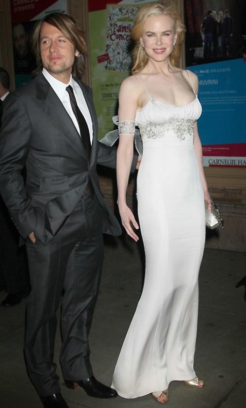 Sao Hollywood trong trang phục của nhà thiết kế bạc mệnh