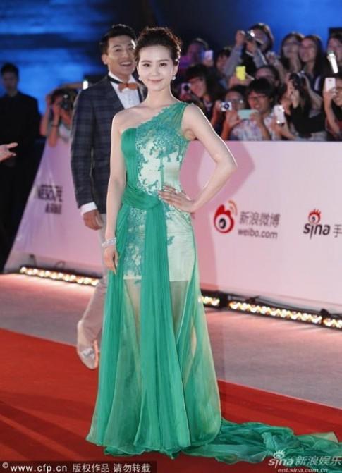 Sao nữ đua sắc trên thảm đỏ Thượng Hải